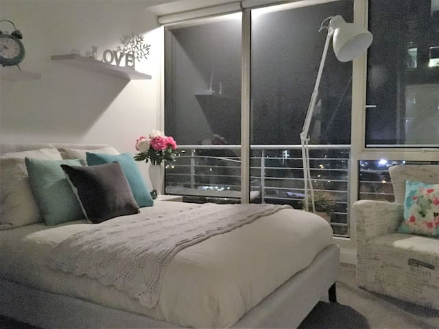 Convenience with Elegance, Views & Much More - Melbourne - Appartement