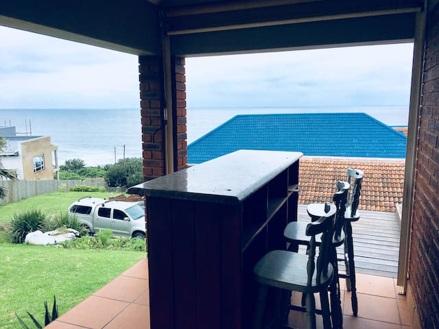 Bazley Beach High Rocks top cottage