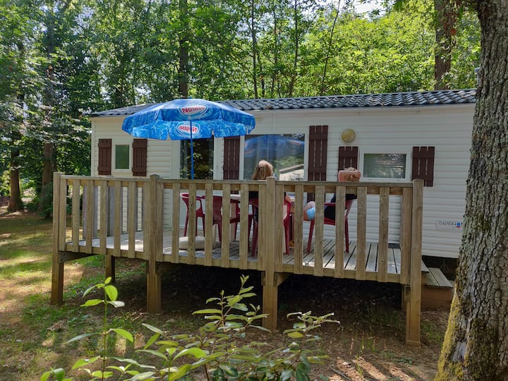 Mobilhome 4 pers sur camping avec piscine