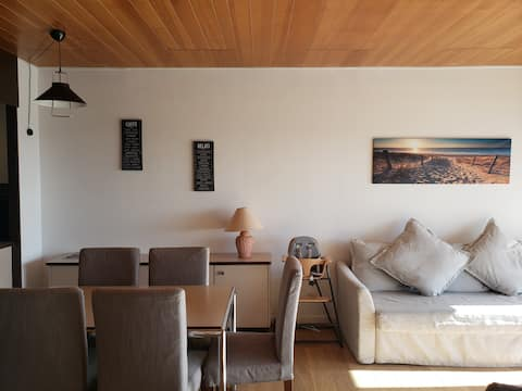 Appartement en bord de mer avec piscine intérieure