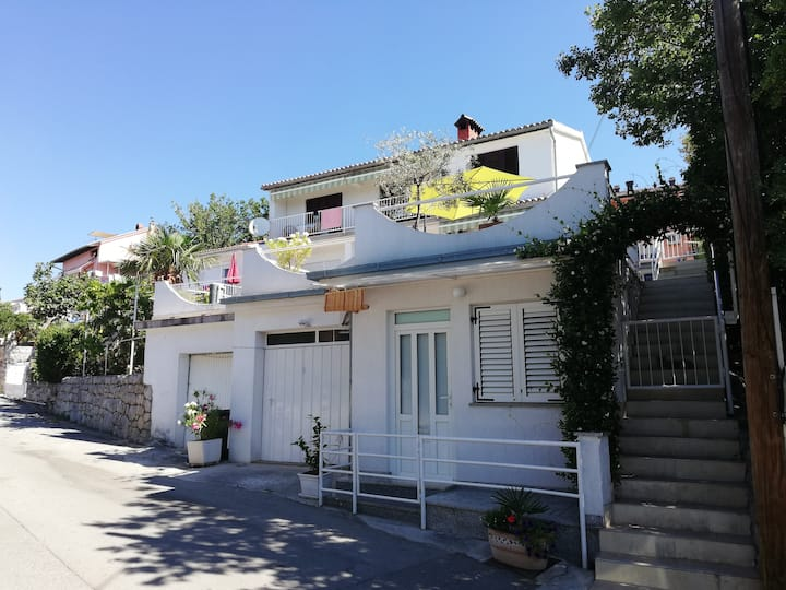 Small apartment for 2 persons near the sea (100 m)