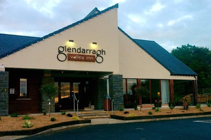 The Glendarragh Valley Inn