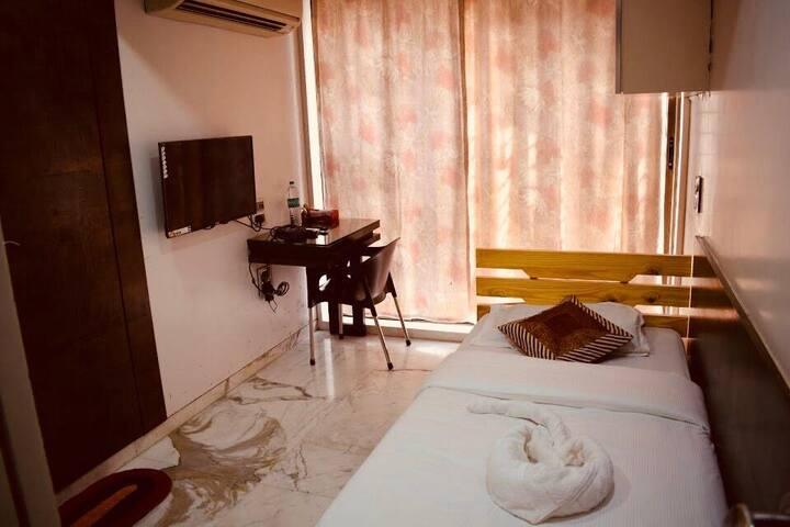 Cozy Room with Comfort in Worli/Prabhadevi
