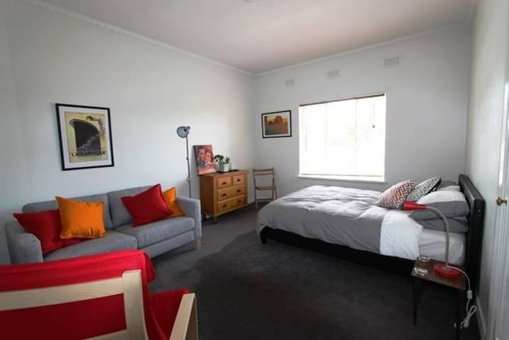 Art Deco apartment close to Melbourne CBD - North Melbourne - Flat