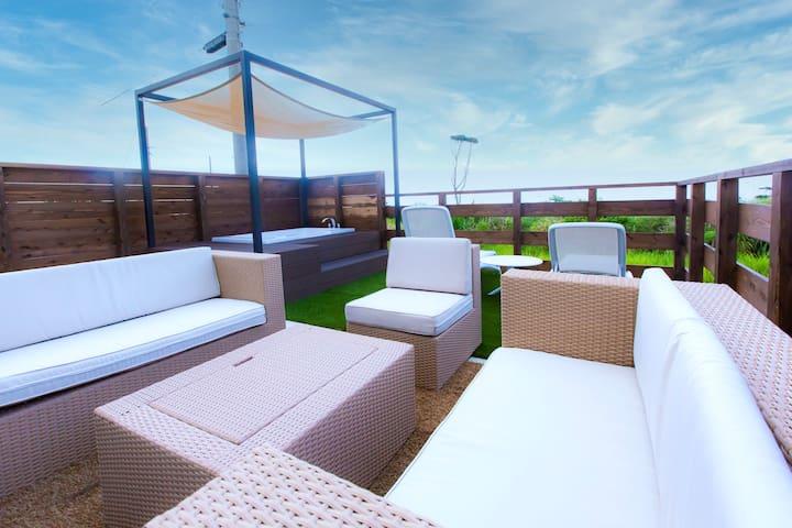 NewHouse☆TerraceWithBBQandBathtub◎ProjectorInLivRm