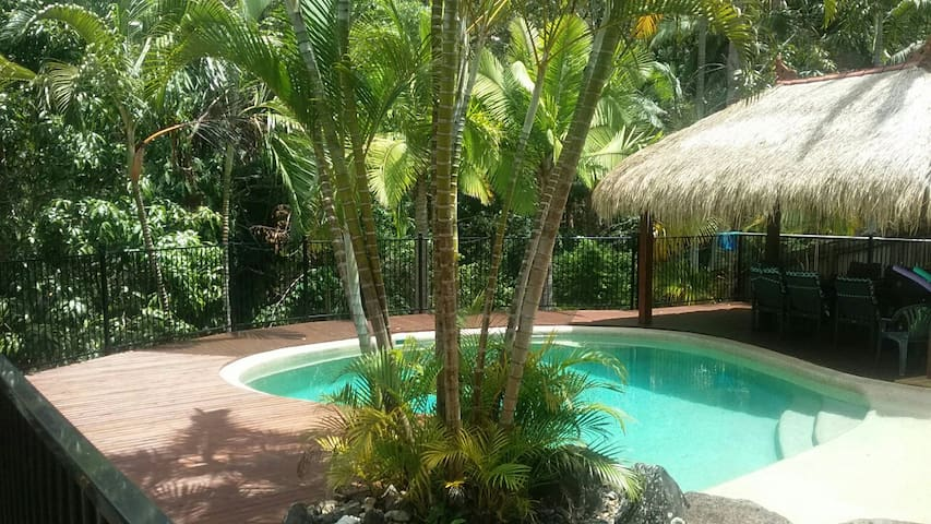 A private house in a tranquil bush setting. - Buderim