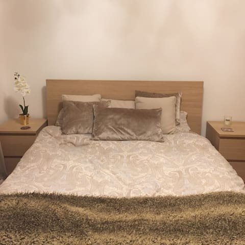 Modern & Cosy Double Room with ensuite & garden