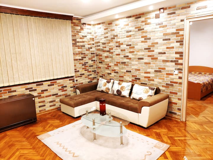 💖 V2 with Love 💖 Vintage ★ Modern and Spacious ★