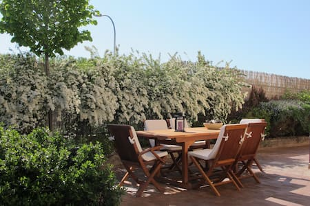 Charming family home with garden in Segovia