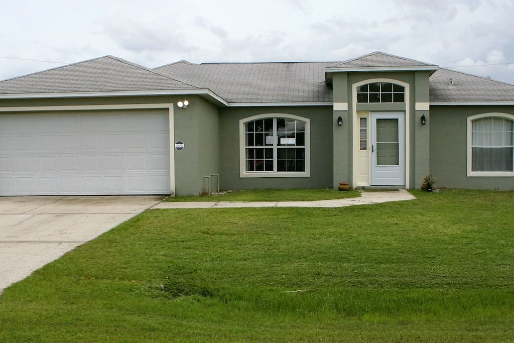Family Vacation 3 Bedroom 2 Bath Screend Porch Houses For Rent In Palm Bay Florida United