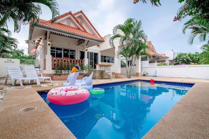 Baan Sunflower Hua-Hin Poolvilla