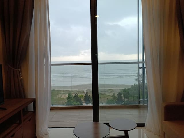 Timur Bay Seafront Residence @ Pool/Sea view