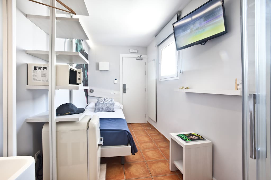 Premium Single Room 2