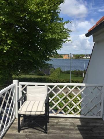 dirkte til vandet, egen bådebro - Svendborg - Casa