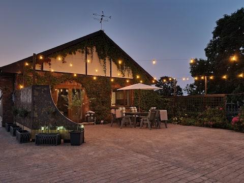 Primrose Lodge and Gardens