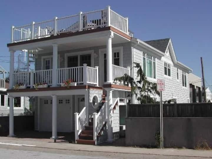 30 Day Fab Beach Home Rental w/ Private Beach