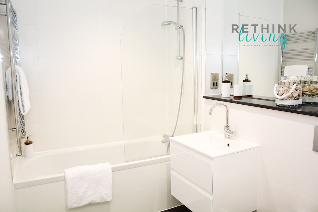 Bath / power shower