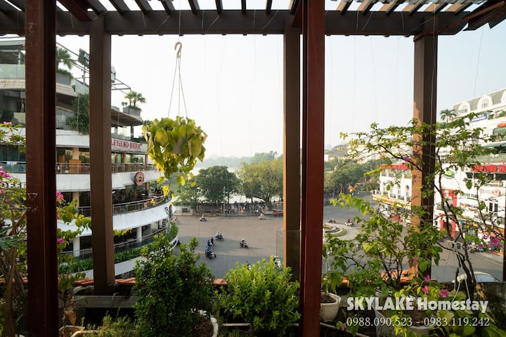 SkyLake 2 beds - cozy house beside Hoan Kiem Lake