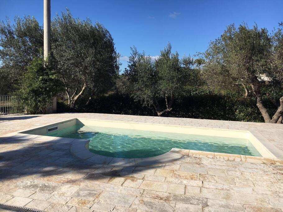 Villa con piscina uso esclusivo sorbole case in affitto for Bagno della piscina