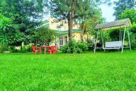 Silver Oak farm stay Garden view room