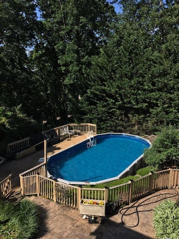 20% Discount w/ >6 Mo stay: Two Maples and a Pool
