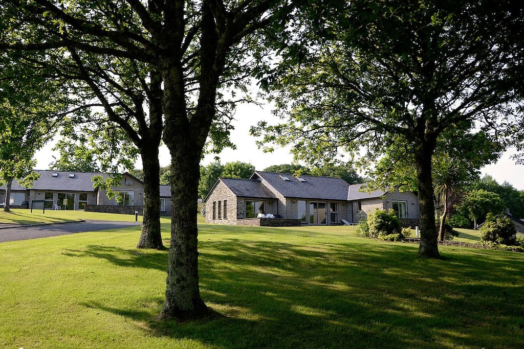3 Bed Villa St Mellion Swimming Golf Tennis Chalets For Rent In Cornwall United Kingdom