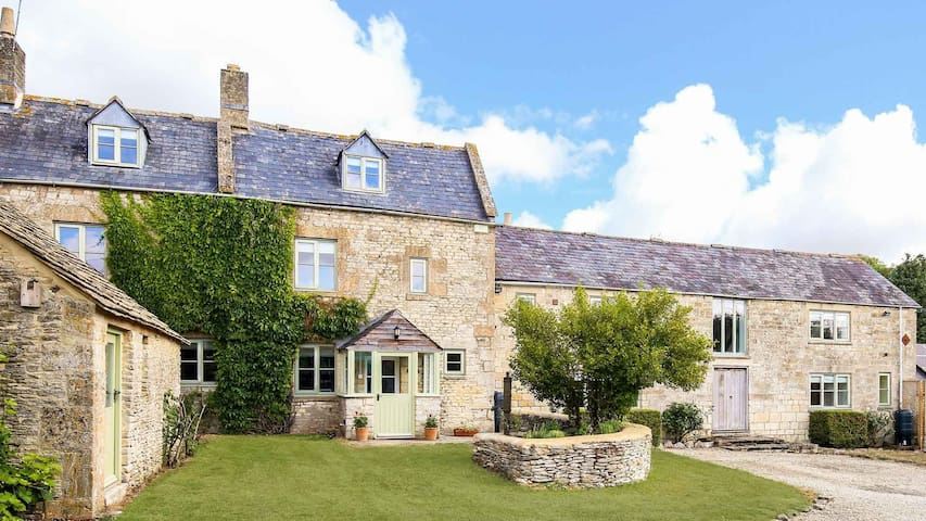 Rustic Cotswolds Farmhouse by Burford