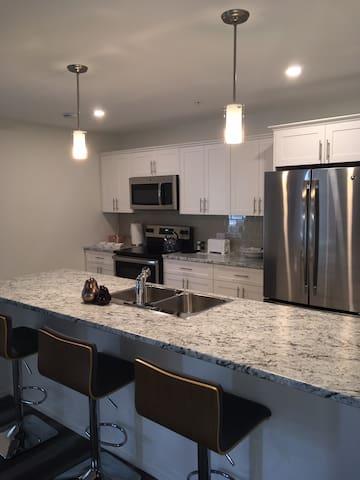 Clean bright spacious 2 bedroom apartment.