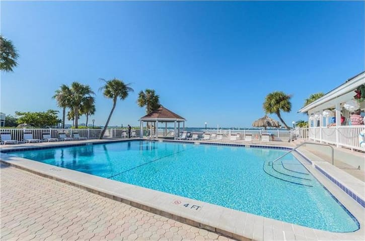 Beach Front Community Super Large 2 Bedroom Condo
