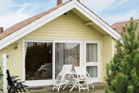 Charming Holiday Home in Askeby near Sea
