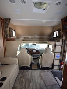 Brand New RV  for your Traveling Adventures! - Mayfield - Camper/RV