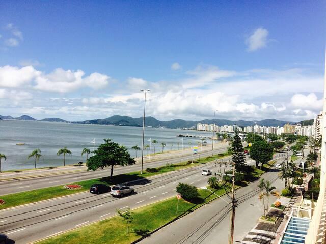 Quarto com banheiro privativo no centro de Floripa - Florianópolis - Apartment