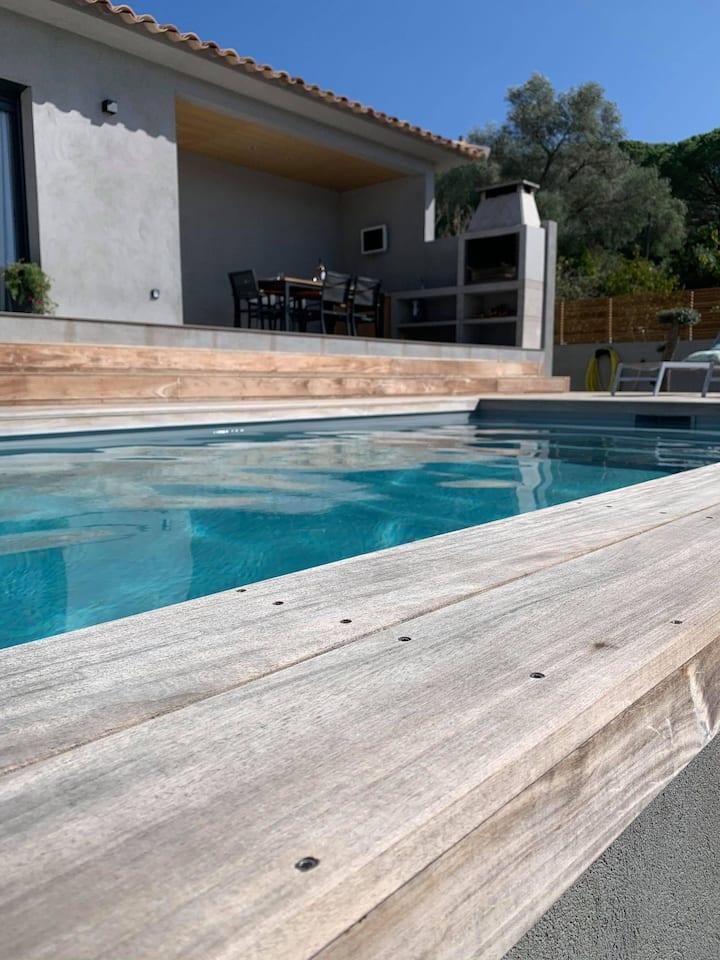 villa de 140 m² 6 personnes / piscine centre ville