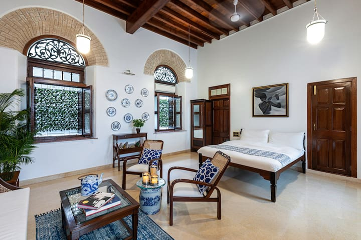 Colonial Home in the Heart of South Mumbai