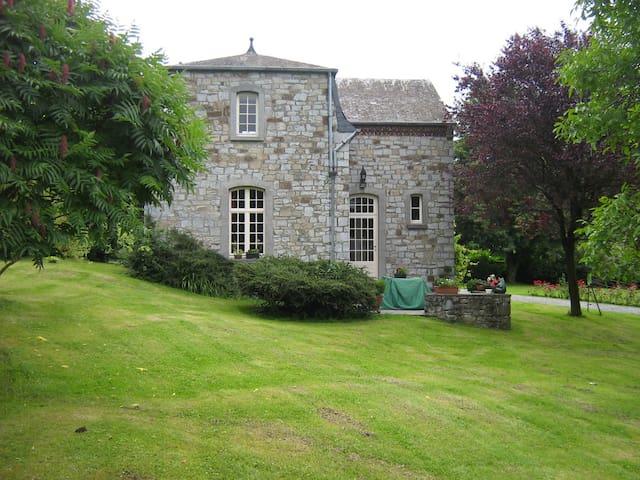 Gîte rural la Grange d'Herbuchenne - Dinant - Alojamento na natureza