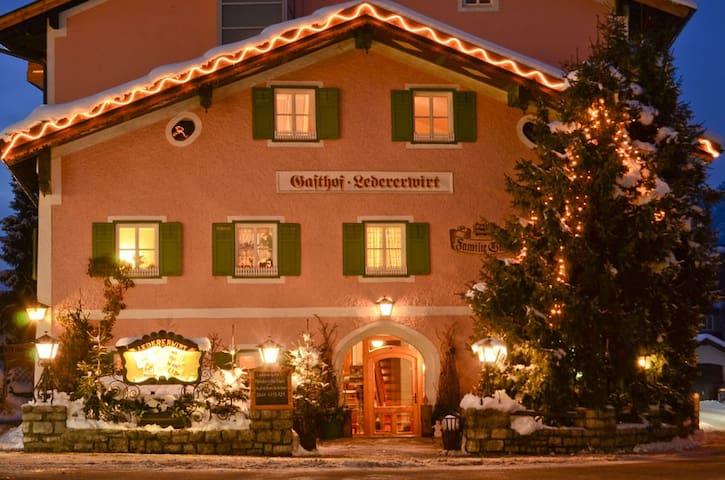 B&B Abtenau Ledererwirt, Salzburg - Abtenau - ที่พักพร้อมอาหารเช้า