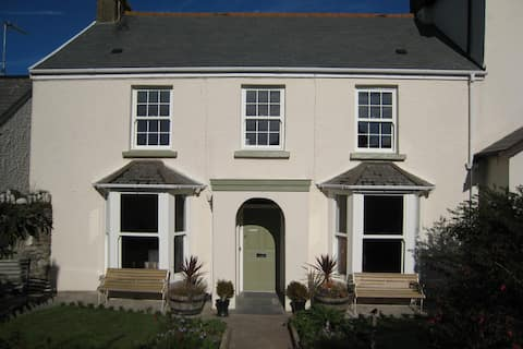 Attractive family house centrally located