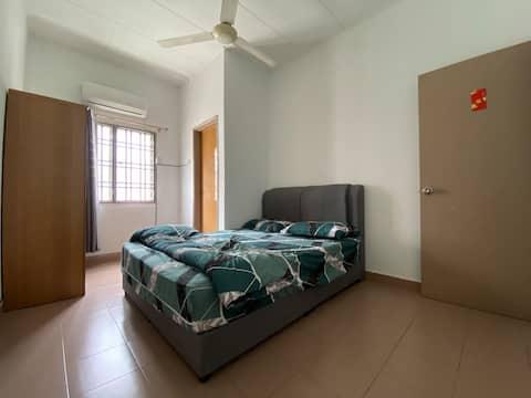 Medium Room 2 Bandar Bukit Tinggi Klang