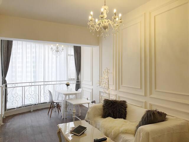 OUR.梦巴黎|设计师法式大落地窗/近太古里春熙路/文殊院/宽窄巷子