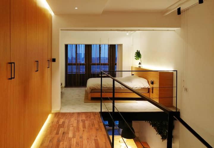 工业风Loft/森林公园全景复式公寓(近会展中心/火车站)