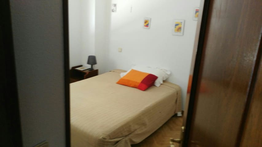 Habitación Zona Turistica - San Lorenzo de El Escorial - Lägenhet