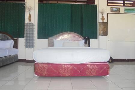 SEMAKADA REST - Bed & Breakfast