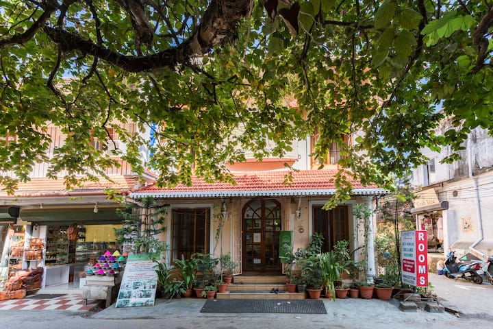 Air conditioned Bedroom Homestay in Fort Kochi