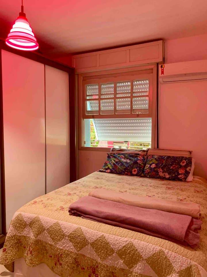 Um quarto no coração do Gonzaga.