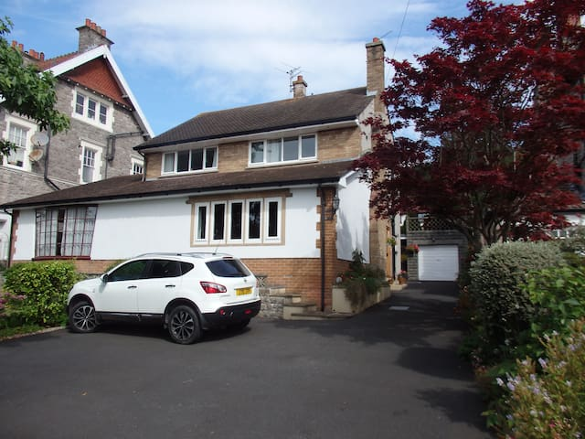 Ground floor room with bathroom in detached house - Weston-super-Mare - Casa