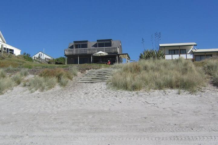 Kiripaka Beachfront Bach - Pukehina