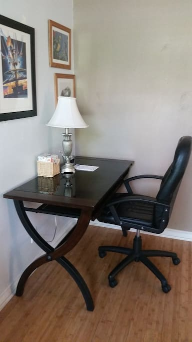 In-suite desk
