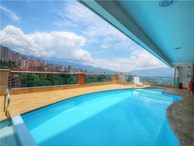 Super sized 2 Bed 2 bth, 80 mt2, Balcony
