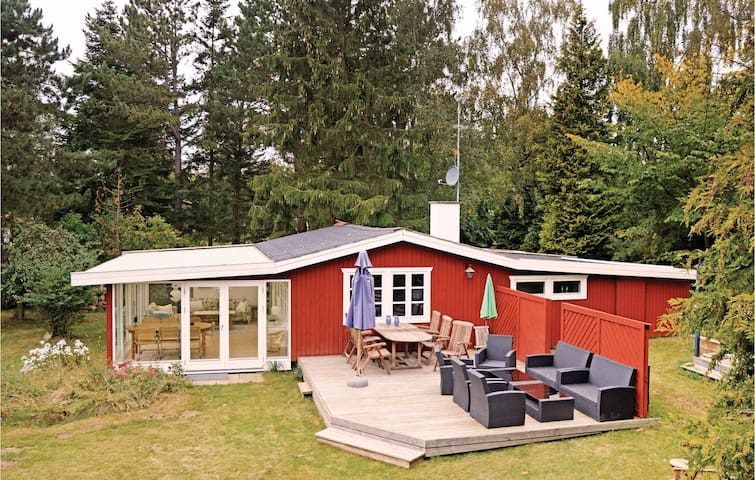 Holiday cottage with 2 bedrooms on 88m² in Asnæs