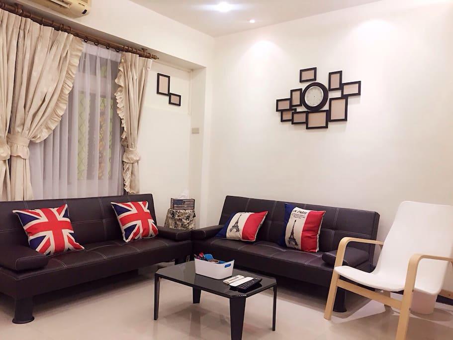 輕鬆簡約的佈置 適合喜歡旅遊放鬆的您 選擇做為台北的家:)